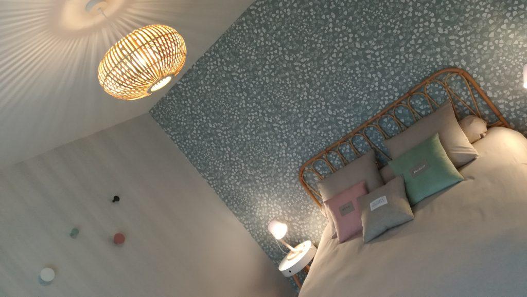C'est la réalisation de la décoration au charme naturel d'une chambre d'hôtes à Reims