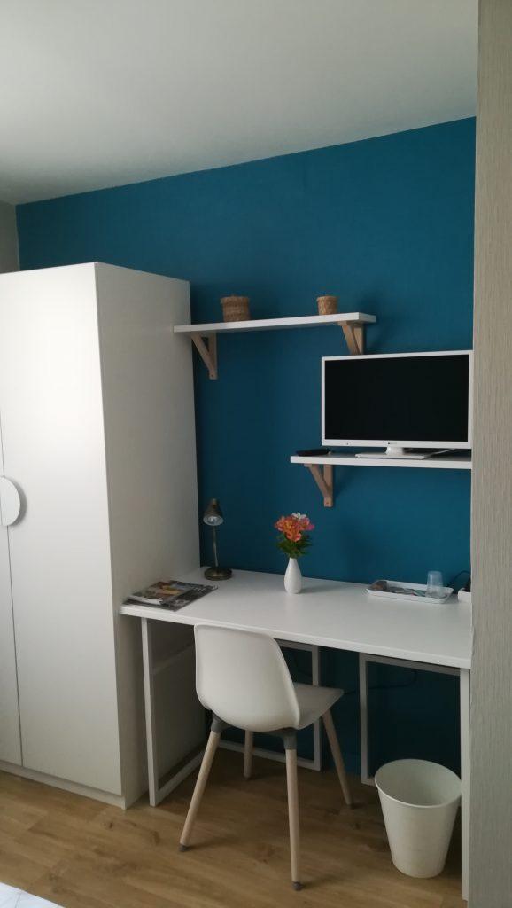 C'est le choix du mobilier pour une chambre d'hôtes à Reims