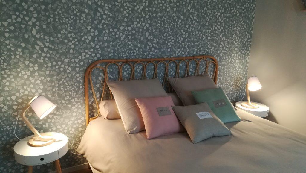 C'est la réalisation de la décoration au style naturel d'une chambre d'hôtes à Reims