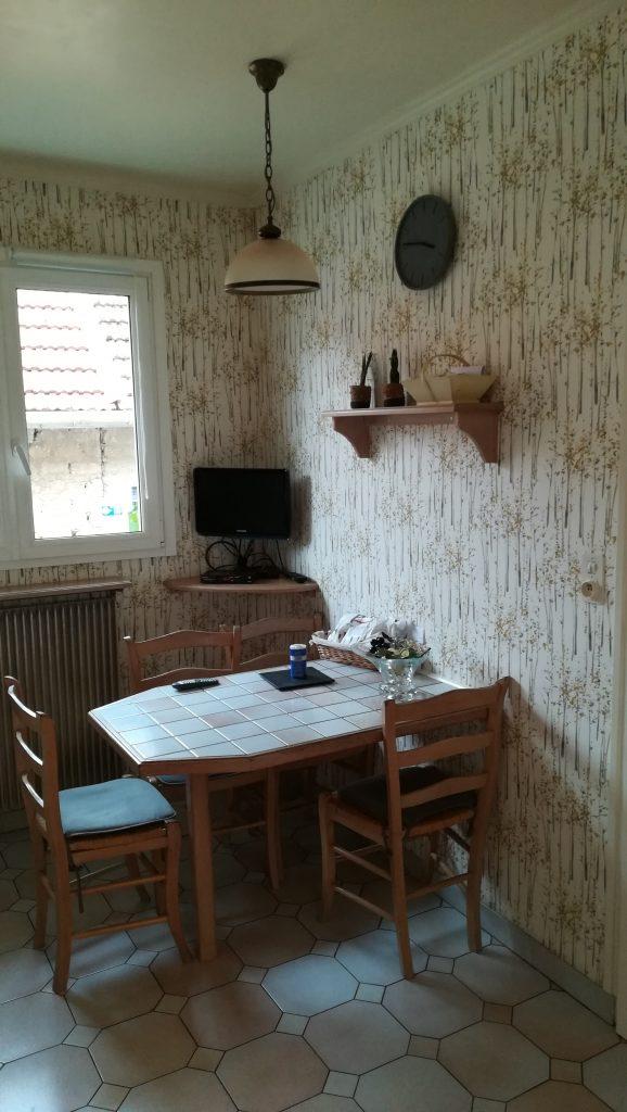 Il s'agit d'une cuisine ancienne avant travaux